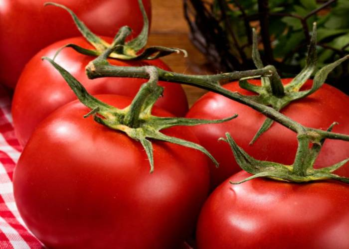 There are some side effects of tomatoes if we eat more than required