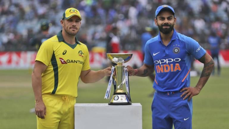 India vs Australia  Run/w: 147/3 Overs:    30  Batting        R      B