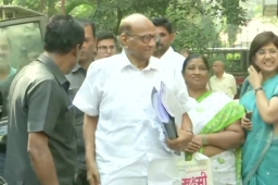 As Cracks Appear in Maharashtra Alliance Over Elgar Parishad Probe & NPR, Sharad Pawar to Meet NCP Ministers T