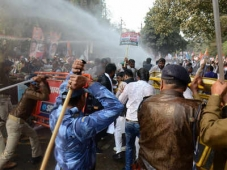 Bihar: Police lathi-charge on activists in protest march against Jan Adhikar Party in Patna