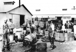 <b> The Government Literally Poisoned Alcohol During Prohibition </b>   Dur