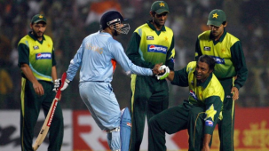 I have more money than you have hair on your head: Shoaib Akhtar takes a ji