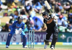 New Zealand whitewashes India by 3-0, wins 3rd ODI by 5 wkts  Mount Maunganui:KL Rahul's century went in vai