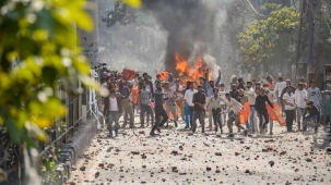 Delhi violence: Capital remains on edge as 5 die in fresh clashes during Trump visit  Protests related to the