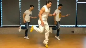 Tiger Shroff: Old is gold ... loved this era and this song! Anddd love these Guy's