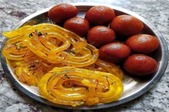 Samosa, jalebi and gulab jamun are not Indian dishes, know where this taste came from!