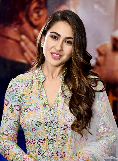 Sara Ali Khan is back with her 'Knock' jokes and Instagrammers can't keep calm with her cuteness