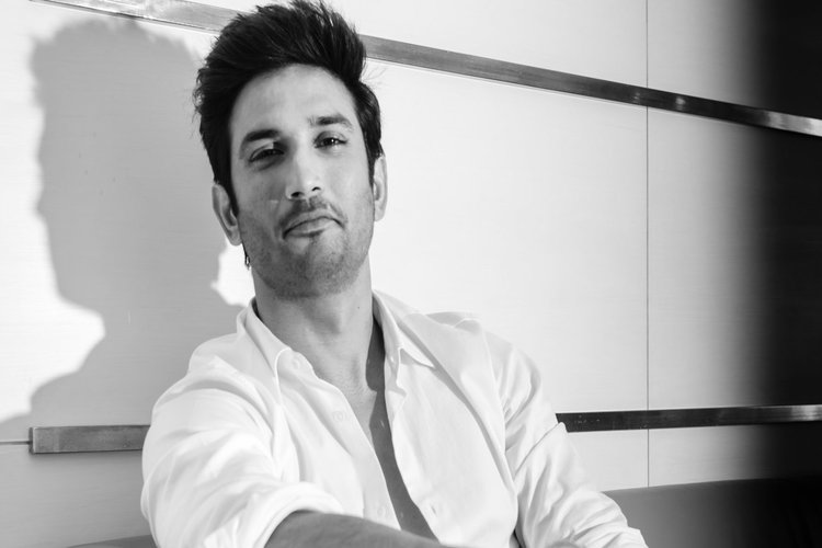 Breaking: Bollywood actor Sushant Singh Rajput commits suicide in his residence in  Mumbai