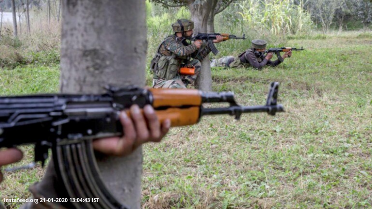 J&K: 2 militants killed, 2 soldiers injured in Awantipora encounter  There