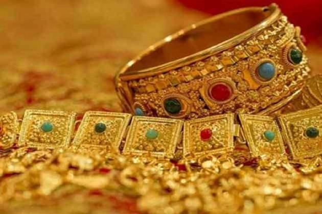 Gold prices fall today after rush in 2 days upto ₹1500, silver grows higher