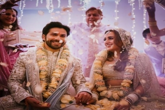 Varun Dhawan and long time beau Natasha Dalal tie the knot, checkout the details