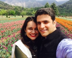 Tina Dabi & Athar Amir : Passed IAS but could not clear the test of her relationship
